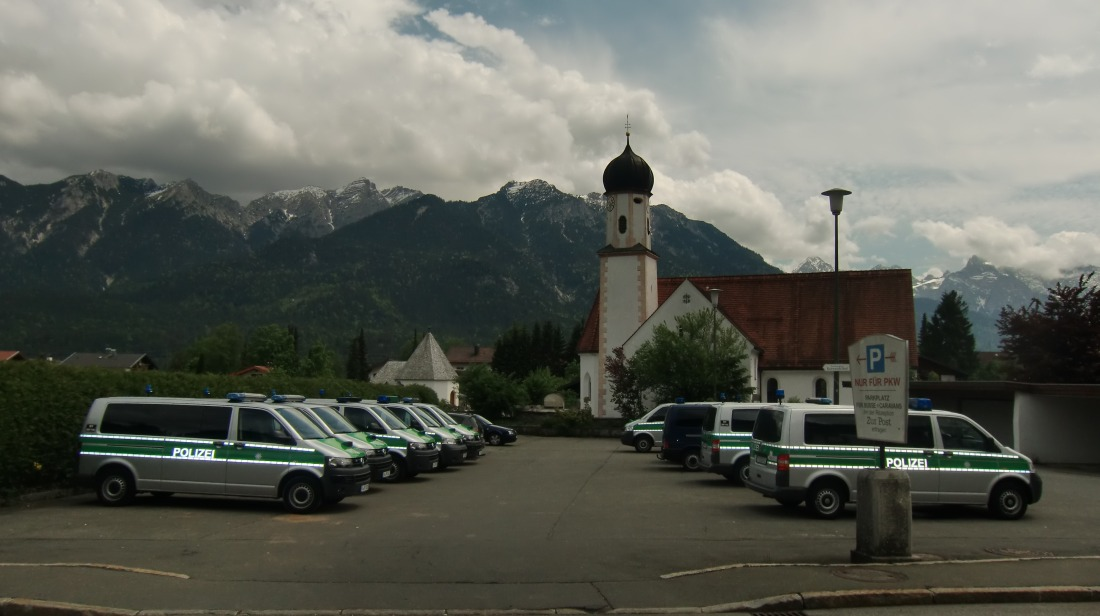10 Tage vor dem Gipfel. Parkplatz des Posthotels in Wallgau