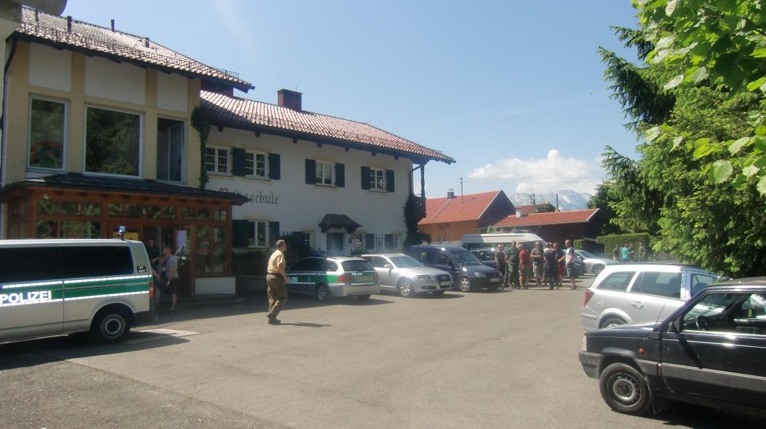 4 Tage vor dem Gipfel. Einsatzleitstelle der Polizei in der Grundschule in Wallgau