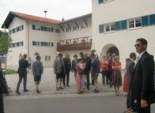 8 Tage vor dem Gipfel. Ministerpräsiden Horst Seehofer vor dem Rathaus in Mittenwald