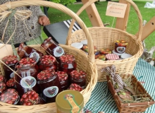 Bauernmarkt in Wallgau am 06.09.2015 Marmelade aus eigener Herstellung