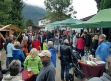 Bauernmarkt in Wallgau am 06.09.2015 gut besucht trotz Regenwetter