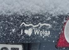 Aufkleber_I_love_Woiga_dunkles_Auto_Schnee