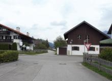 Wallgau Ausfahrt aus der Alpspitzstraße in die Mittenwalder Starße