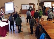 21.01.2017 Informationstag zur Dorferneuerung in Wallgau. Frau Hilsenbeck informiert zum Thema Wellness am Haus des Gastes