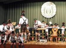 Trachtenjahrtag d'Simetsbergler Wallgau am 07.05.2017; Die Musikkapelle Wallgau sorgt für die musikalische Umrahmung