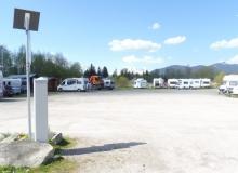 Parkplatz am Isarsteg Wallgau vor der Renaturierung im Mai 2016 damals noch mit Wohnmobilen