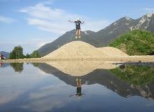 Sprung vor Karwendelgebirge