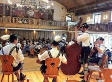 Trachtenjahrtag D'Simetsbergler Wallgau am 05.05.2019. Musikalische Umrahmung durch die Jagastand Musi