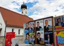 Wahlplakate-Wallgau-Dorfplatz