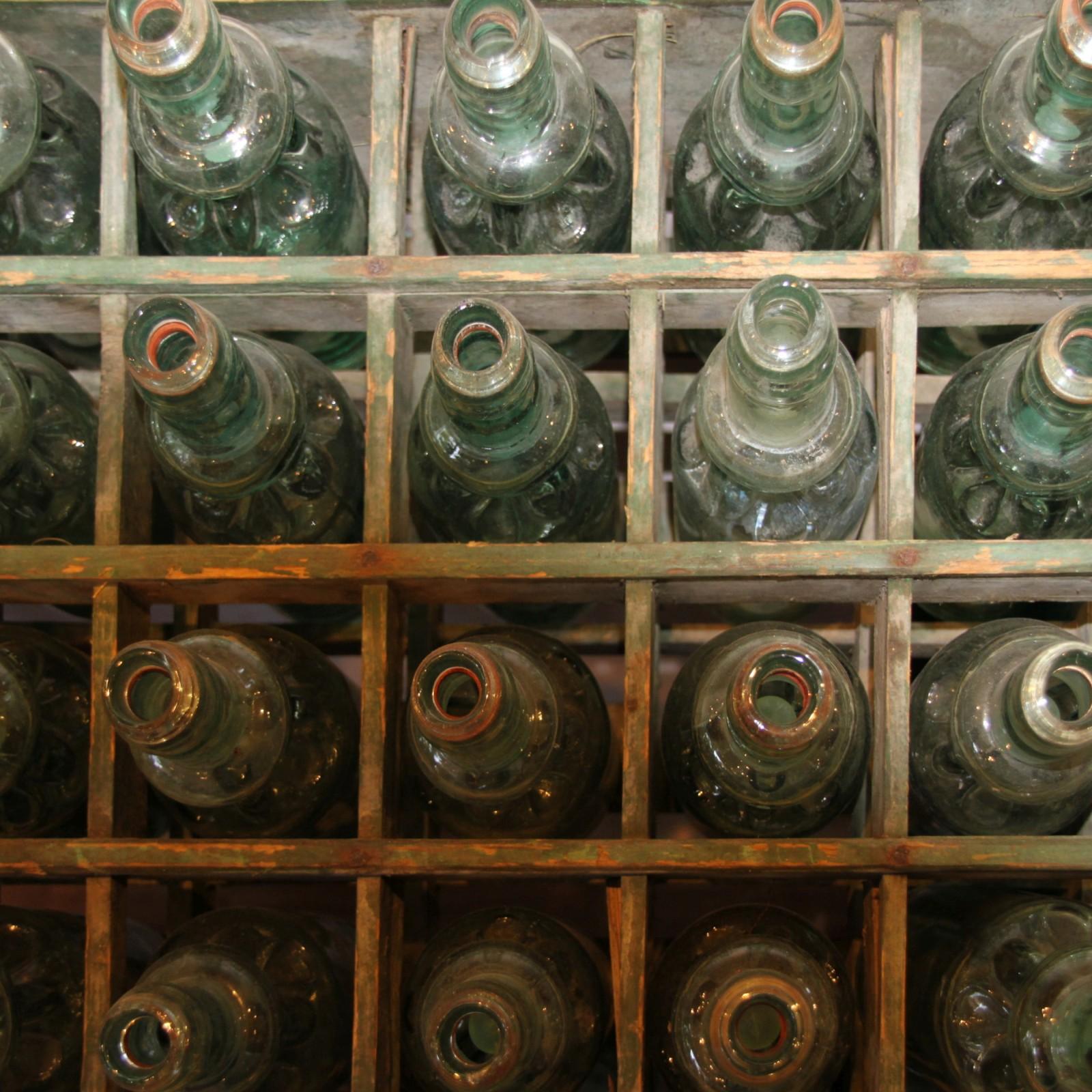 Alte Limoflaschen (Kracherl) mit Kugelverschluss