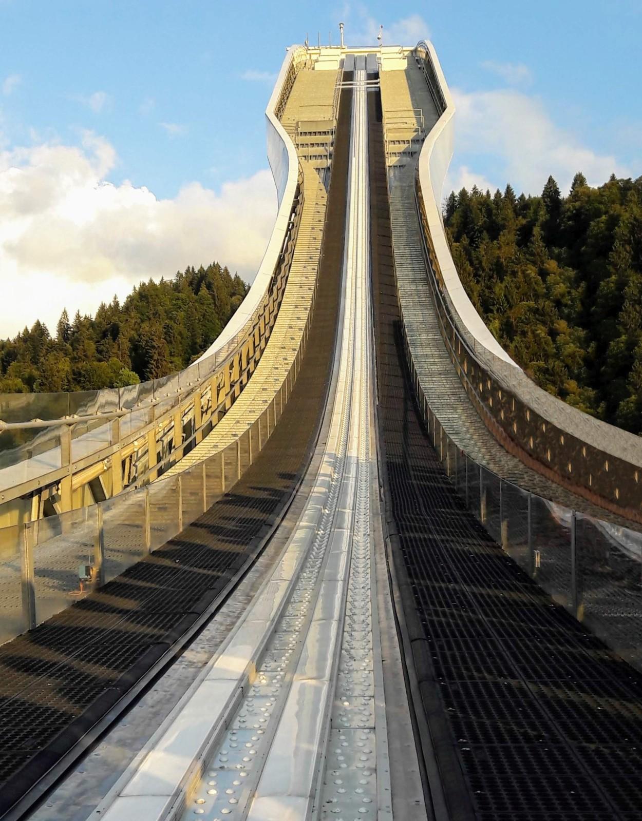Anlaufturm der Olympia Sprungschanze in Garmisch-Partenkirchen