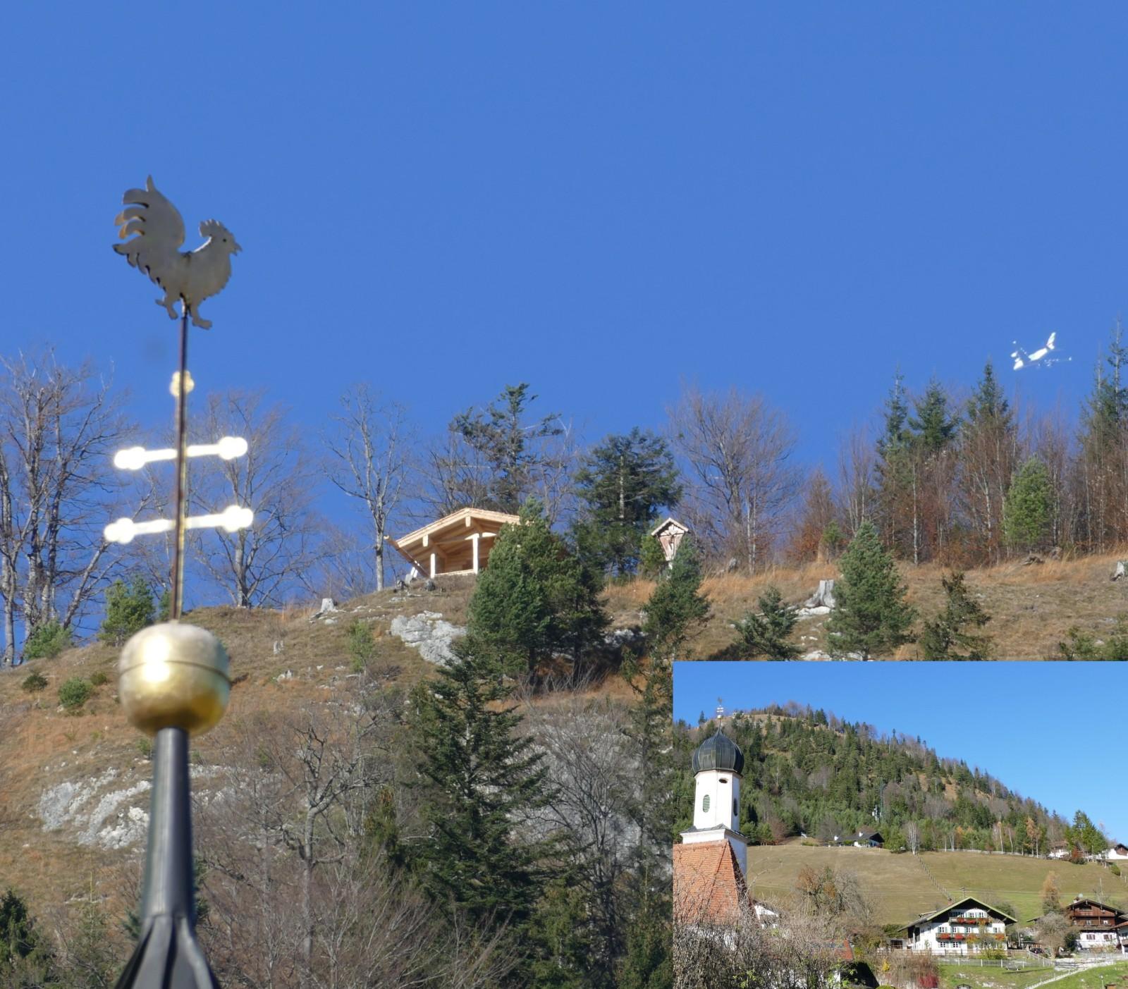 Neuer Unterstand auf dem Krepelschroffen über Wallgau vom Tal aus gesehen.