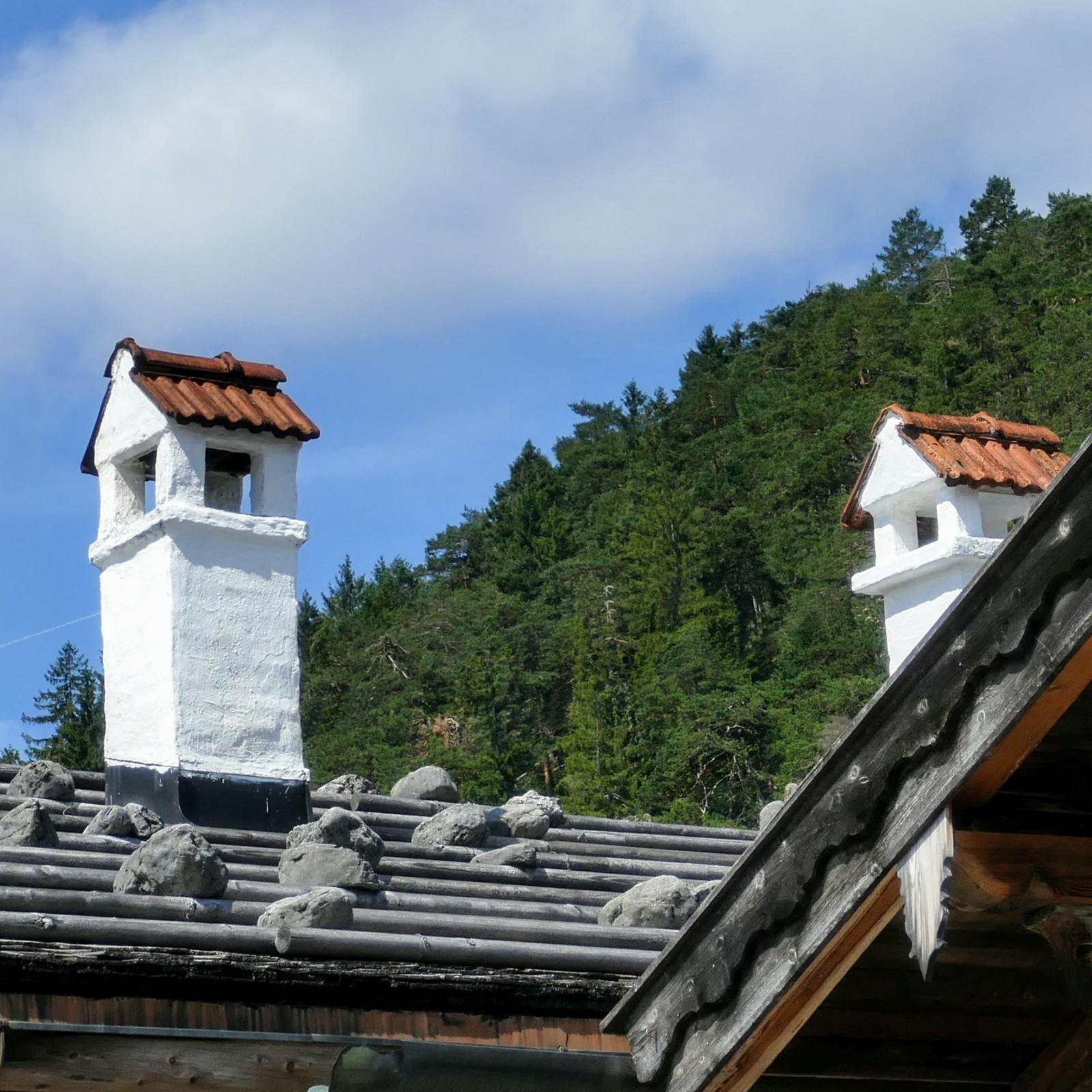 Eines der letzten Schindeldächer in Wallgau. One of the last shinglesroofs in Wallgau