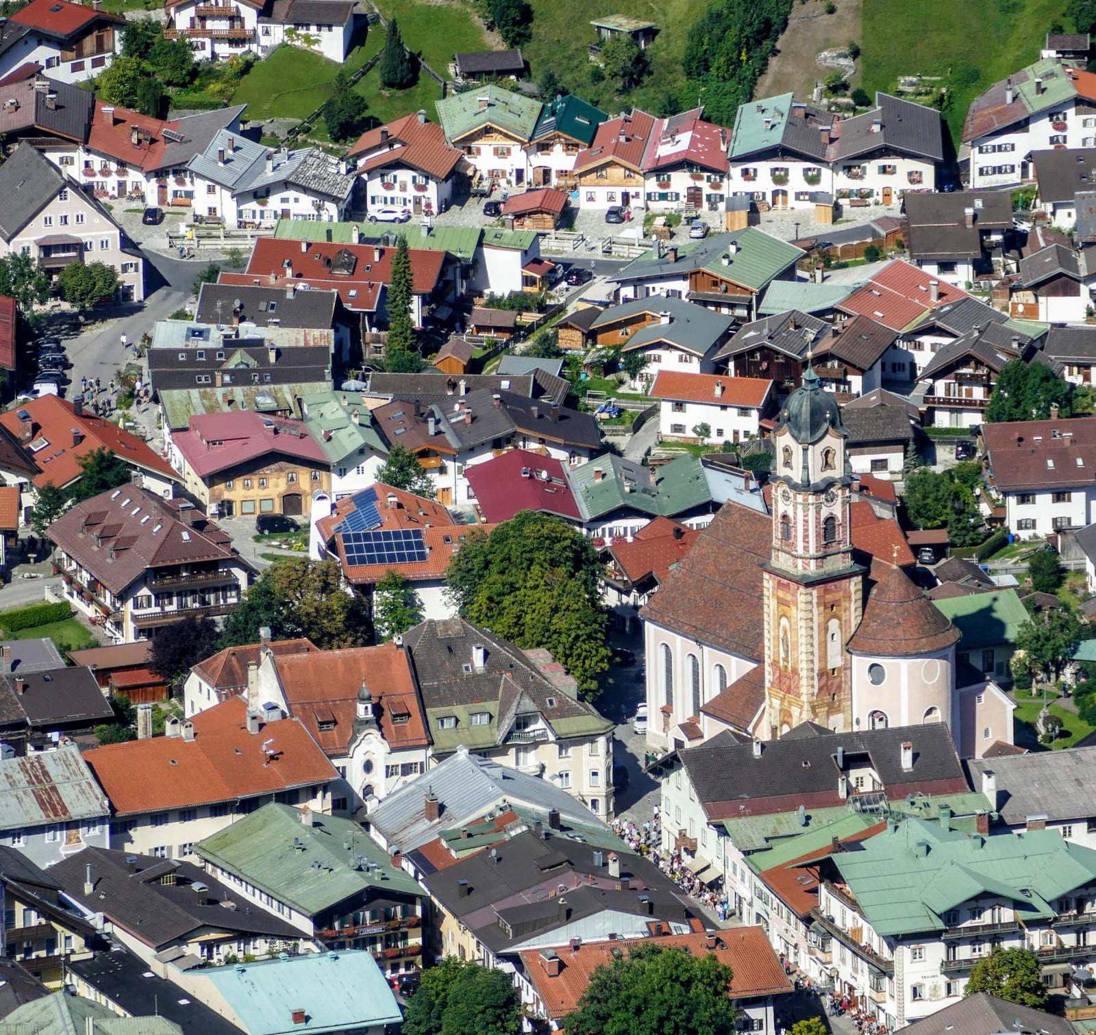 Blick von der Mittenwalder Hütte auf Mittenwald top view to Mittenwald