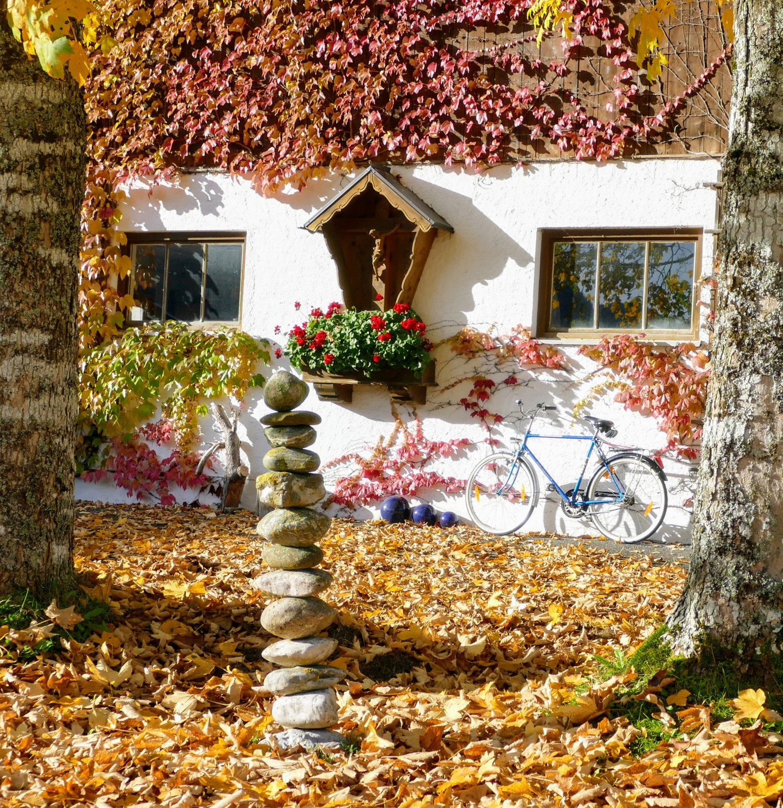 Herbst in der Wallgauer Flößerstraße