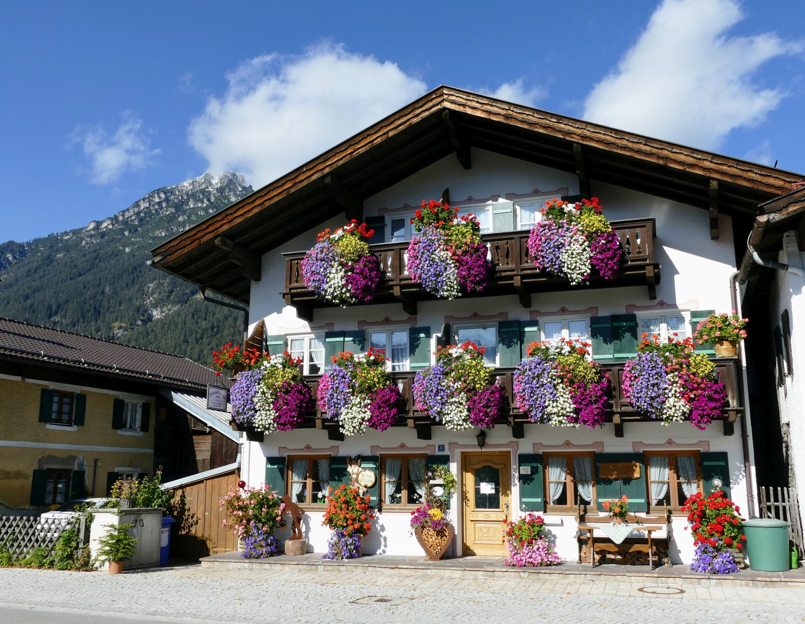 Loisachstraße in Garmisch