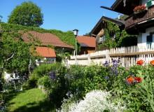 Schöner Garten an der Sonnleiten in Wallgau. Beautiful garden in Wallgau.