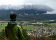 Ausblick vom Krepelschrofen auf Wallgau und das Soierngebirge