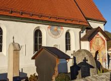 Sonnenuhr an der Pfarrkirche St. Jakob in Wallgau
