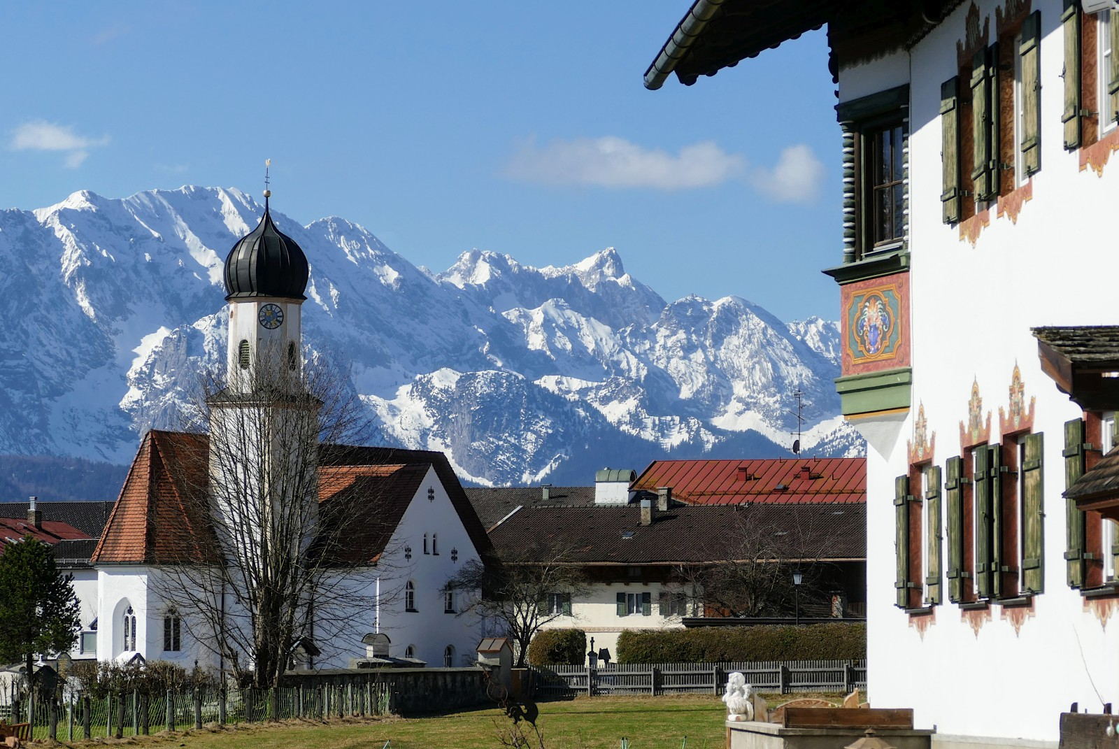 162-Kiche-vor-Wettersteingebirge-P1130805